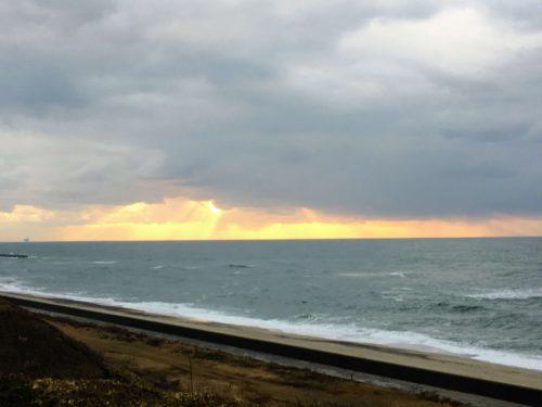 瀬波温泉 瀬波南国フルーツ園 夕陽が沈む日本海